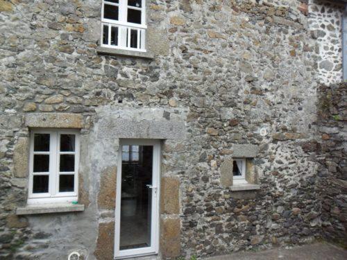 autour-de-la-chaux-façade-pierres